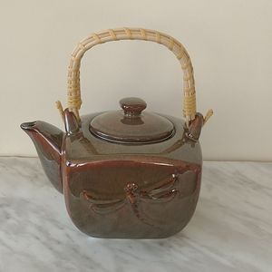 Brown dragonfly tea pot from teaopia